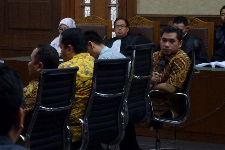 Panitia pengadaan alkes Banten saat bersaksi di Pengadilan Tipikor Jakarta, Rabu (22/3/2017).