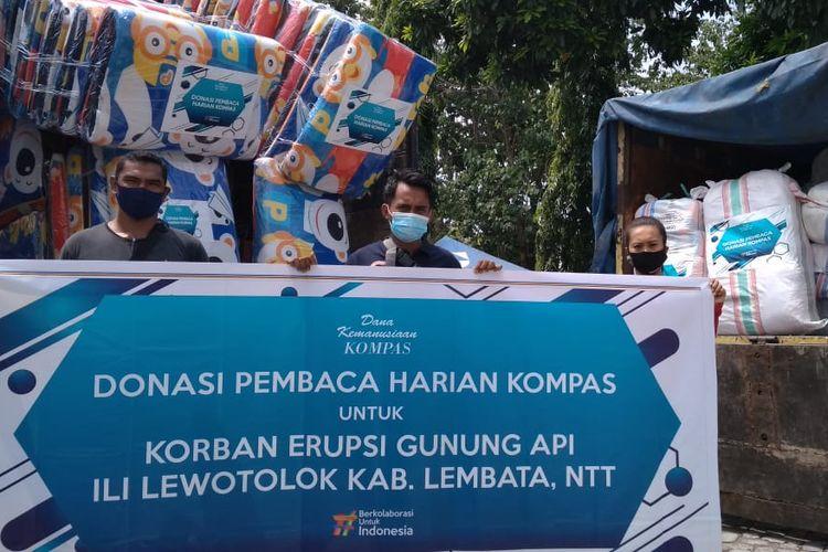 Yayasan Dana Kemanusiaan Kompas menyalurkan bantuan kemanusiaan kepada pengungsi Gunung Ile Lewotolok, Lembata, Nusa Tenggara Timur (NTT).