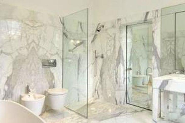 George Clooney mewujudkan sebuah kamar mandi yang amat mewah bagi sang istri tercinta, Amal Alamuddin.