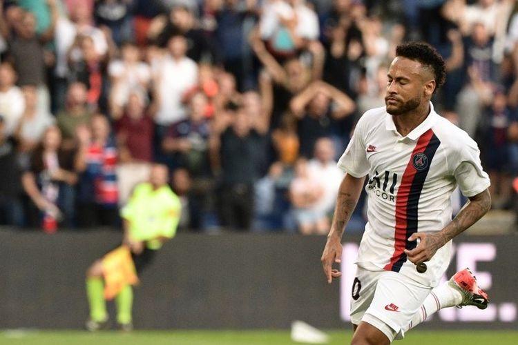 Penyerang Paris Saint-Germain, Neymar, menjadi pembeda hasil akhir laga PSG vs Strasbourg di Parc des Princes, 14 September 2019.