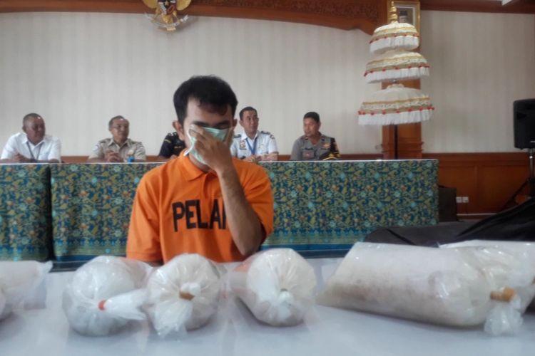 Bea Cukai Tangkap penyelundup benih lobster di Bandara Ngurah Rai, Senin (24/2/2020).