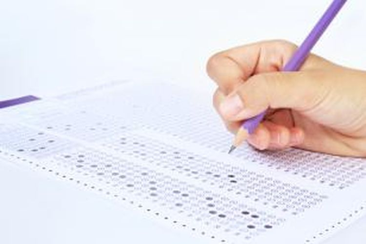 Siswa yang bisa mendaftar adalah siswa yang rekam jejak prestasinya tercatat di Pangkalan Data Sekolah dan Siswa (PDSS). Untuk itu, sekolah yang belum mengisi PDSS dihimbau untuk segera melakukan pengisian