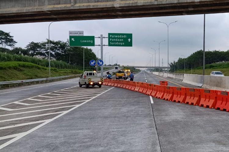Pengendalian transportasi di Jalan Tol Pandaan-Malang.