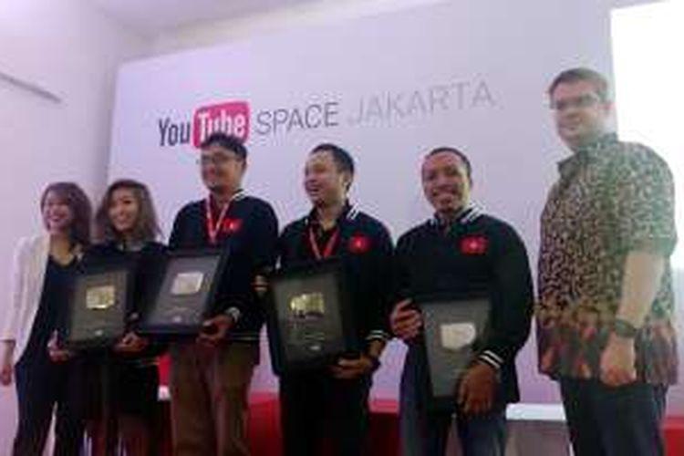 Empat YouTubers terakhir yang dapat penghargaan