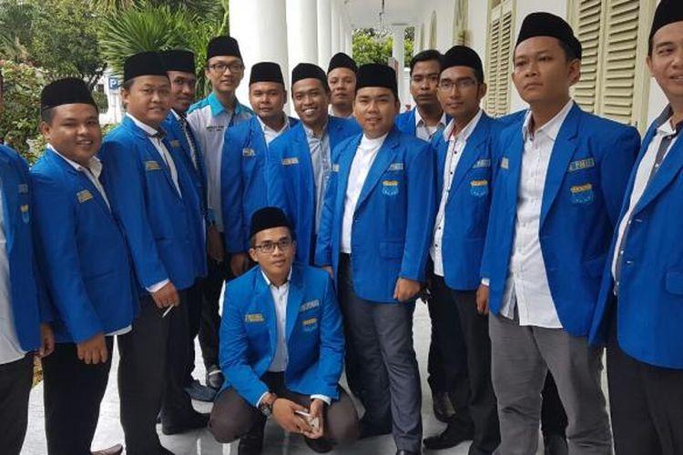 Pengurus Besar Pergerakan Mahasiswa Islam Indonesia (PB PMII) mendatangi Kompleks Istana Kepresidenan, Jakarta, Jumat (3/2/2017).