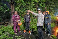 Jatim Diterjang Hujan Angin, Emil Dardak Tinjau Wilayah Terdampak