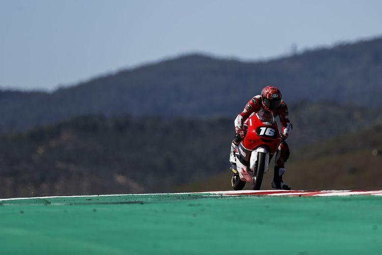 Pebalap asal Indonesia, Mario Suryo Aji, saat tampil pada sesi kualifikasi Moto3 Junior World Championship Portugal 2021 di  di Sirkuit Algarve, Portugal, Sabtu (3/7/2021).