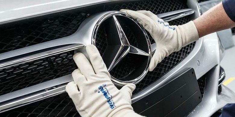 Ilustrasi Mercedes Benz