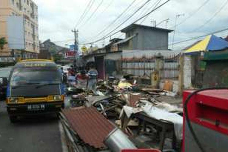 Kondisi lapak pedagang disisi Selatan Stasiun Tugu setelah ditertibkan