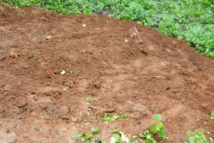 Meski sempat ditolak warga, makam diduga pasien positif Covid-19 ditemukan di Buper Kiarapayung, Sukasari, Sumedang, Jawa Barat, Minggu (29/3/2020). Dok. RW/KOMPAS.com