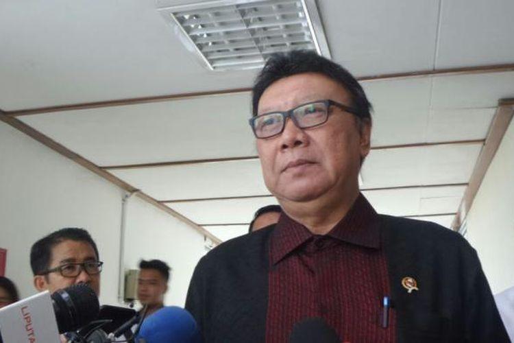 Menteri Dalam Negeri Tjahjo Kumolo di Kompleks Parlemen, Senayan, Jakarta, Rabu (30/11/2016)