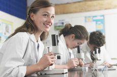Menumbuhkan Pemikiran Kritis, Upaya JIS Memberdayakan Perempuan Melalui Pendidikan