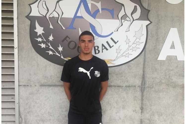 Pemain muda klub Amiens SC asal Perancis, Felix Nzouango