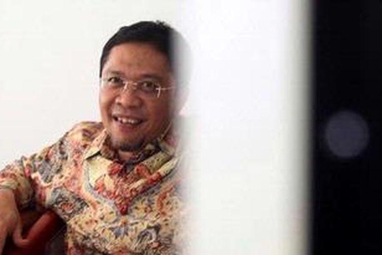 Ahmad Fathanah menjadi saksi pada sidang dengan terdakwa Direktur PT Indoguna Utama, Aria Abdi Effendi dan Juard Effendi terkait kasus korupsi impor daging sapi, di Pengadilan Tipikor, Jalan HR Rasuna Said, Kuningan, Jakarta Selatan, Jumat (17/5/2013). Sidang dengan agenda mendengarkan keterangan saksi tersebut menghadirkan Menteri Pertanian, Suswono, Luthfi Hasan Ishaaq, Maharany Suciyono, serta penyelidik KPK, Amir Arif. WARTA KOTA/HENRY LOPULALAN