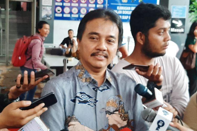 Pakar telematika Roy Suryo di Polda Metro Jaya, Jakarta Selatan, Jumat (24/1/2020).