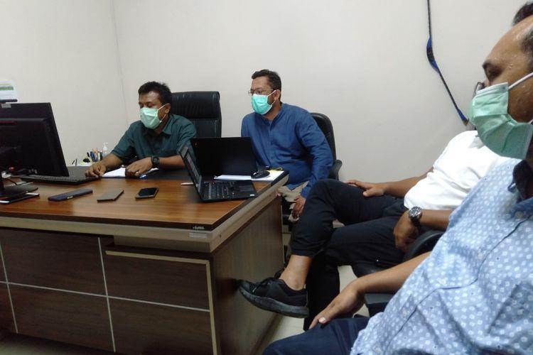 Badan Pengelola Migas Aceh (BPMA) emmberi penjelasan tehnis terkait sumur yang dikeloal PT Medco E&P Malaka yang mengeluarkan aroma busuk yang menyebabkan warga mengalami pusing, mual dan muntah.