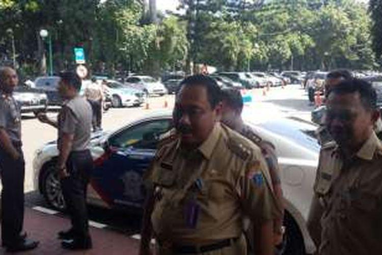 Wali Kota Jakarta Barat Anas Effendi di Mapolda Metro Jaya, Jakarta, Senin (15/2/2016).