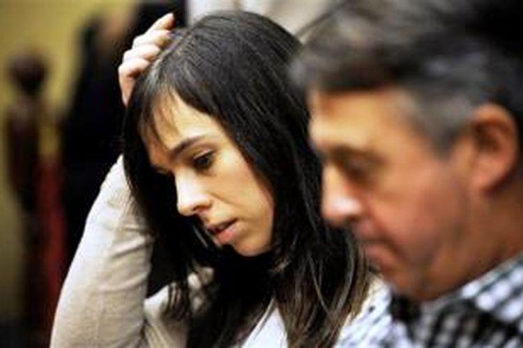 Pianis Laia Martin saat menghadiri sidang di Pengadilan Girona, Spanyol, Jumat (15/11/2013).