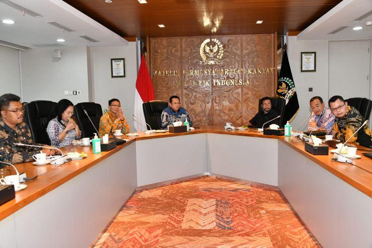Momen saat Ketua MPR RI Bambang Soesatyo menerima perwakilan organisasi buruh di Jakarta, Selasa (25/8/2020).