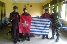 Cinta NKRI, Warga Suku di Papua Barat Ini Serahkan Bendera Bintang Kejora