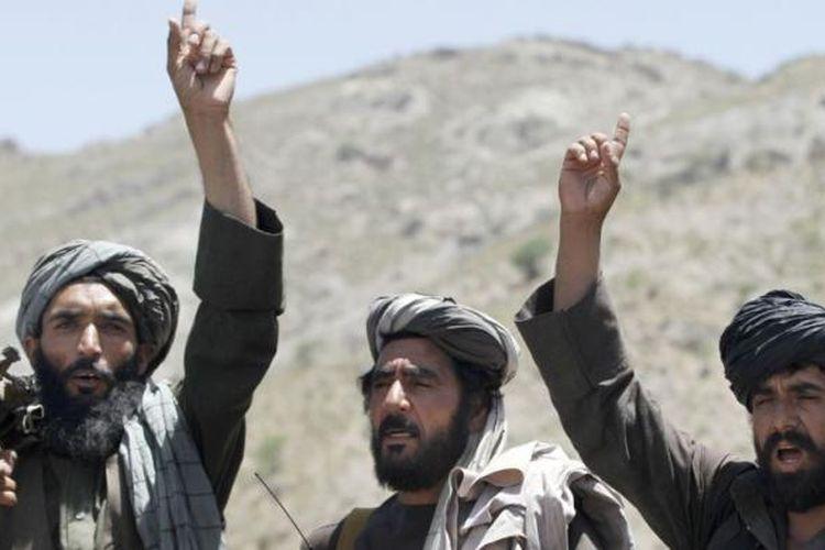 Anggota Taliban di Distrik Shindand, provinsi Herat, Afghanistan, 27 Mei 2016.