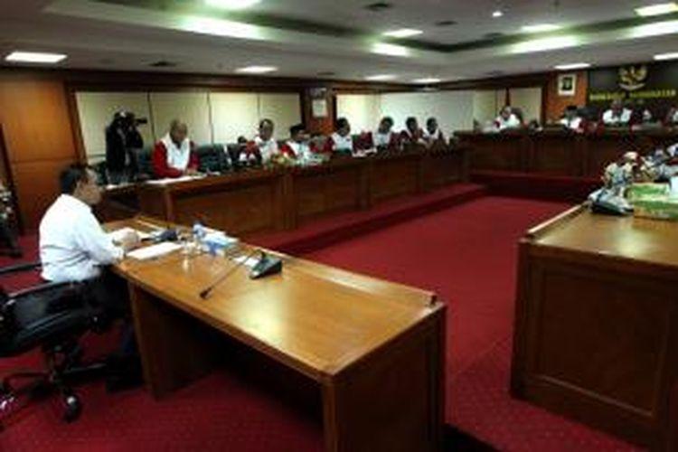 Menteri Energi dan Sumber Daya Mineral Sudirman Said memenuhi panggilan Mahkamah Kehormatan Dewan (MKD) dalam sidang terbuka di Gedung Parlemen, Jakarta, Rabu (2/12/2015).