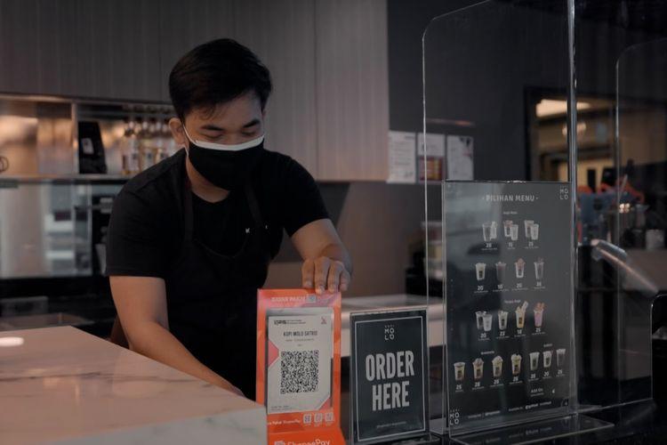 ShopeePay mengajak masyarakat mengapresiasi merchant lokal lewat ragam promo menarik di ratusan merchant yang relevan dengan kebutuhan masyarakat di tengah pandemi melalui kampanye ShopeePay 17.8 Semangat Usaha UMKM Lokal.