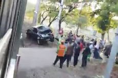 Terobos Perlintasan Rel di TPU Tanah Kusir hingga Tertabrak KRL, Pengendara Mobil Luka-luka