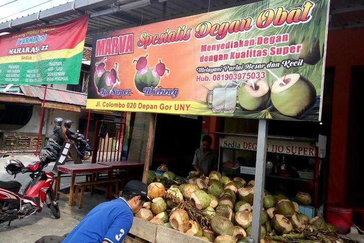 Warung degan Pak Ali di Jalan Kolombo, Yogyakarta.