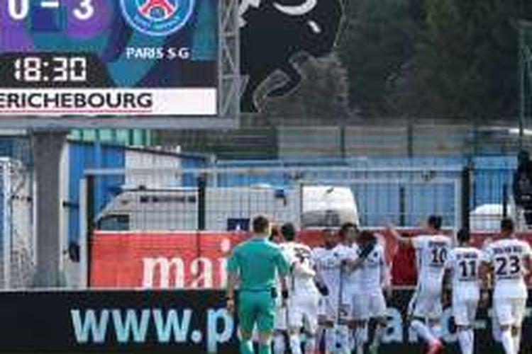 Paris Saint-Germain (PSG) memastikan gelar juara Ligue 1 musim 2015-2016 seusai menang telak di kandang Troyes, Minggu (13/3/2016).