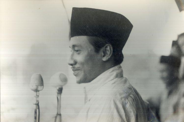 Bung Tomo berpidato Pada Rapat Umum B.P.R.I di Surabaya, Pada Tgl 20 Mei 1950