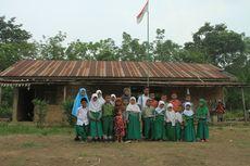 Di Sekolah Ini, Hanya Ada 1 Ruang Kelas dan 1 Guru untuk Seluruh Siswa