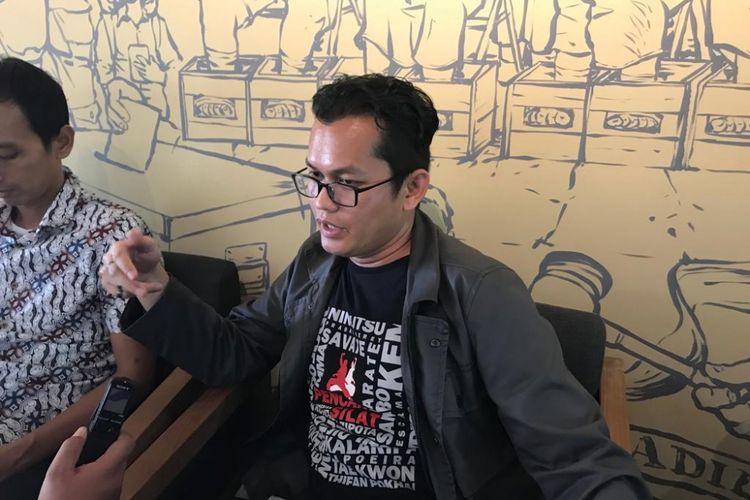 Direktur Lembaga Bantuan Hukum (LBH) Jakarta Alghiffari Aqsa setelah konferensi pers di Sekolah Tinggi Hukum Indonesia (STHI) Jentera, Jakarta, Jumat (3/8/2018).