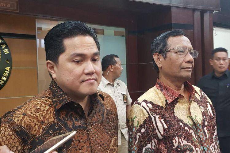 Menko Polhukam Mahfud MD dan Menteri BUMN Erick Thohir saat memberikan keterangan pers di Kantor Kemenko Polhukam, Medan Merdeka Barat, Jakarta Pusat, Kamis (16/1/2020).