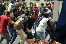 Korban Luka Kericuhan Demo di Bandung: Mulai dari Mahasiswa, Polisi, hingga Pemulung