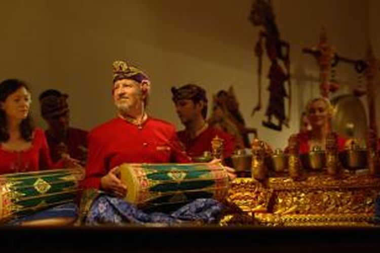 Lila Cita dengan pemain campuran warga dunia merupakan salah satu kelompok gamelan Bali terbaik di Inggris.
