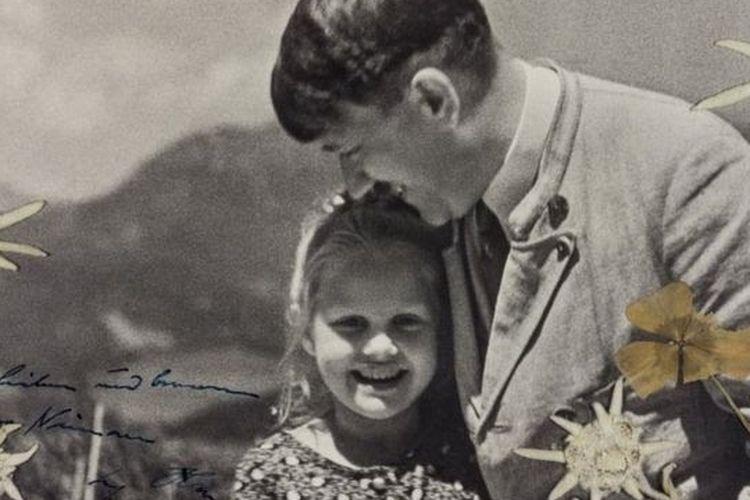 Rosa Bernile Nienau dan Hitler, 1933.