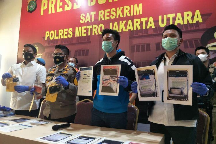 Baim Wong bersama Kapolres Metro Jakarta Utara Kombes Sudjarwoko beserta jajaran ditemui di Polres Metro Jakarta Utara, Selasa (22/12/2020).