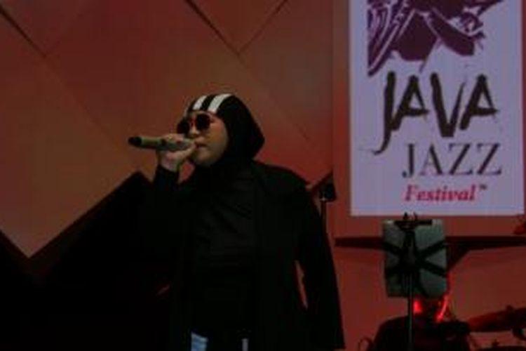 Melly Goeslaw tampil bersama band Potret di Java Jazz, JIExpo, Kemayoran, Jakarta Pusat, Jumat (6/3/2015).