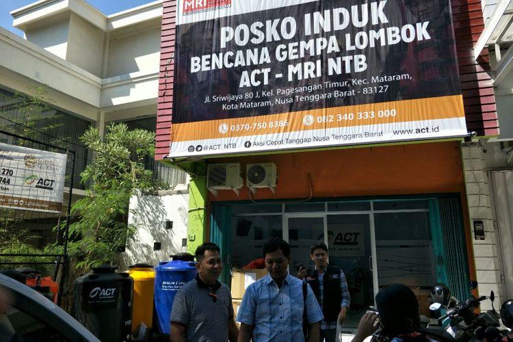 Posko induk Aksi Cepat Tanggap (ACT) Lombok yang menyalurkan bantuan untuk korban gempa di Lombok, Senin (20/8/2018).