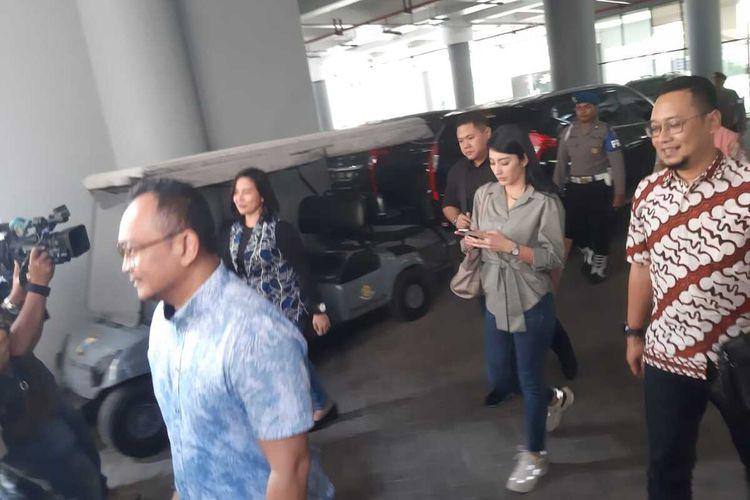 Tyas Mirasih dipriksa di gedung Ditreskrimsus Polda Jatim, Jumat (6/3/2020).