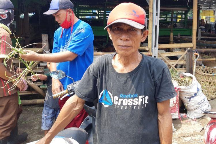 Ahmad pedagang hewan kurban kambing di Pasar Rawa Badak, Koja, Jakarta Utara