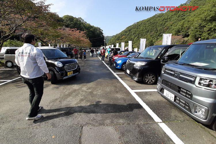 Komunitas dan pengguna Daihatsu berkumpul dalam program Love-Local di Chimyoko-Kawanishi, Jepang.