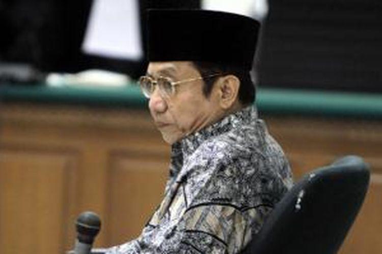 Mantan Sekretaris Jenderal Kementerian Energi dan Sumber Daya Mineral (ESDM) Waryono Karno menjalani sidang dengan agenda pembacaan tuntutan di Pengadilan Tipikor, Jakarta Selatan, Rabu (26/8/2015).