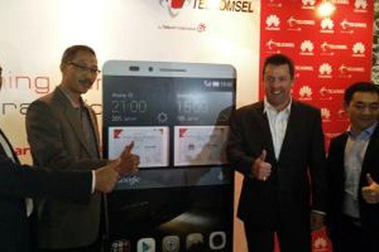 Acara penandatanganan kerja sama antara Huawei - Telkomsel yang dilakukan Kamis (18/12/2014) di Jakarta.