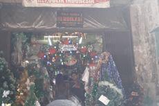 Berburu Pernak-pernik Natal di Pasar Asemka