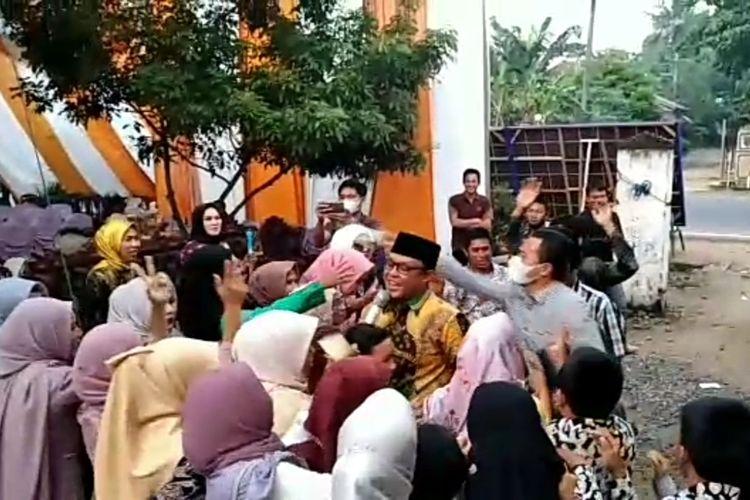 Cuplikan video Wakil Bupati Lampung Tengah, Ardito Wijaya (berkopiah) yang berjoget.