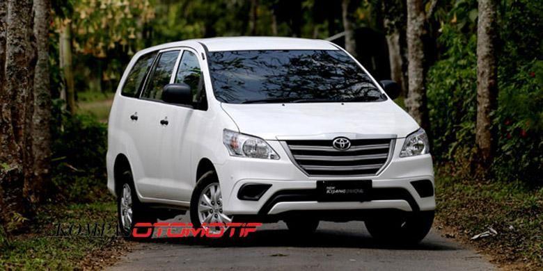 Toyota Kijang Innova facelift, sentuhan baru ada pada gril.