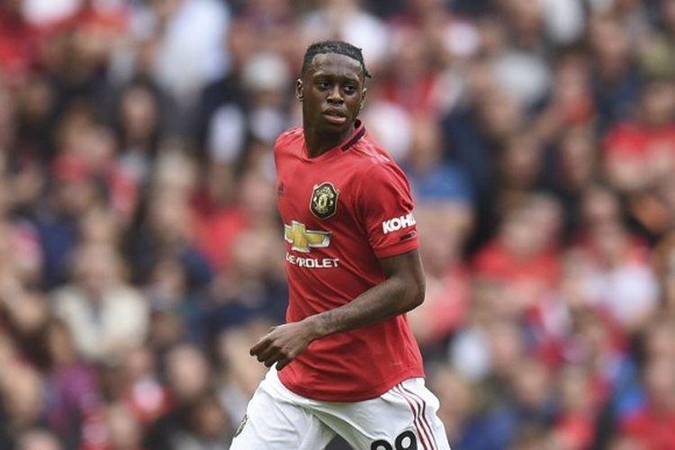 Aaron Wan-Bissaka menjalani debutnya berseragam Setan Merah pada laga Manchester United vs Chelsea di Stadion Old Trafford dalam lanjutan Liga Inggris, 11 Agustus 2019.