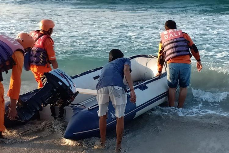 Tim SAR gabungan melakukan pencarian turis Rusia yang hilang di Nusa Penida